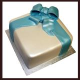 Square Cake with Fondant Bow